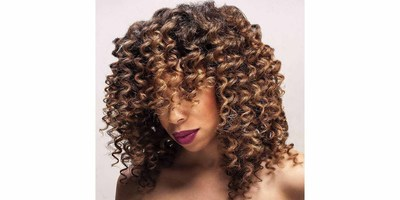 Curtain Curls Short Hairstyle. Image Credit: @sharnellb.colorist