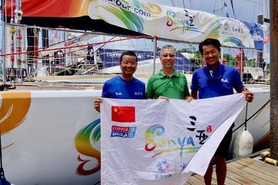 Ambassador Wei Qiang (middle) and Sanya ambassador crew
