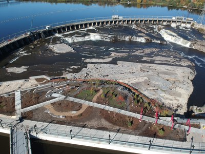 For the first time ever, Hydro Ottawa is welcoming visitors to its new generating station at Chaudière Falls for guided tours of the new facility. (CNW Group/Hydro Ottawa Holding Inc.)