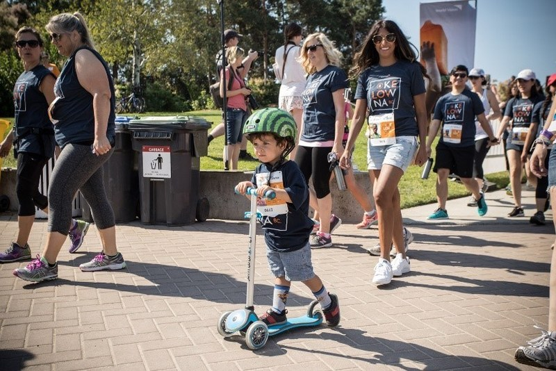 Participants walk to raise funds and awareness for clean water projects in Africa (CNW Group/World Vision Canada)
