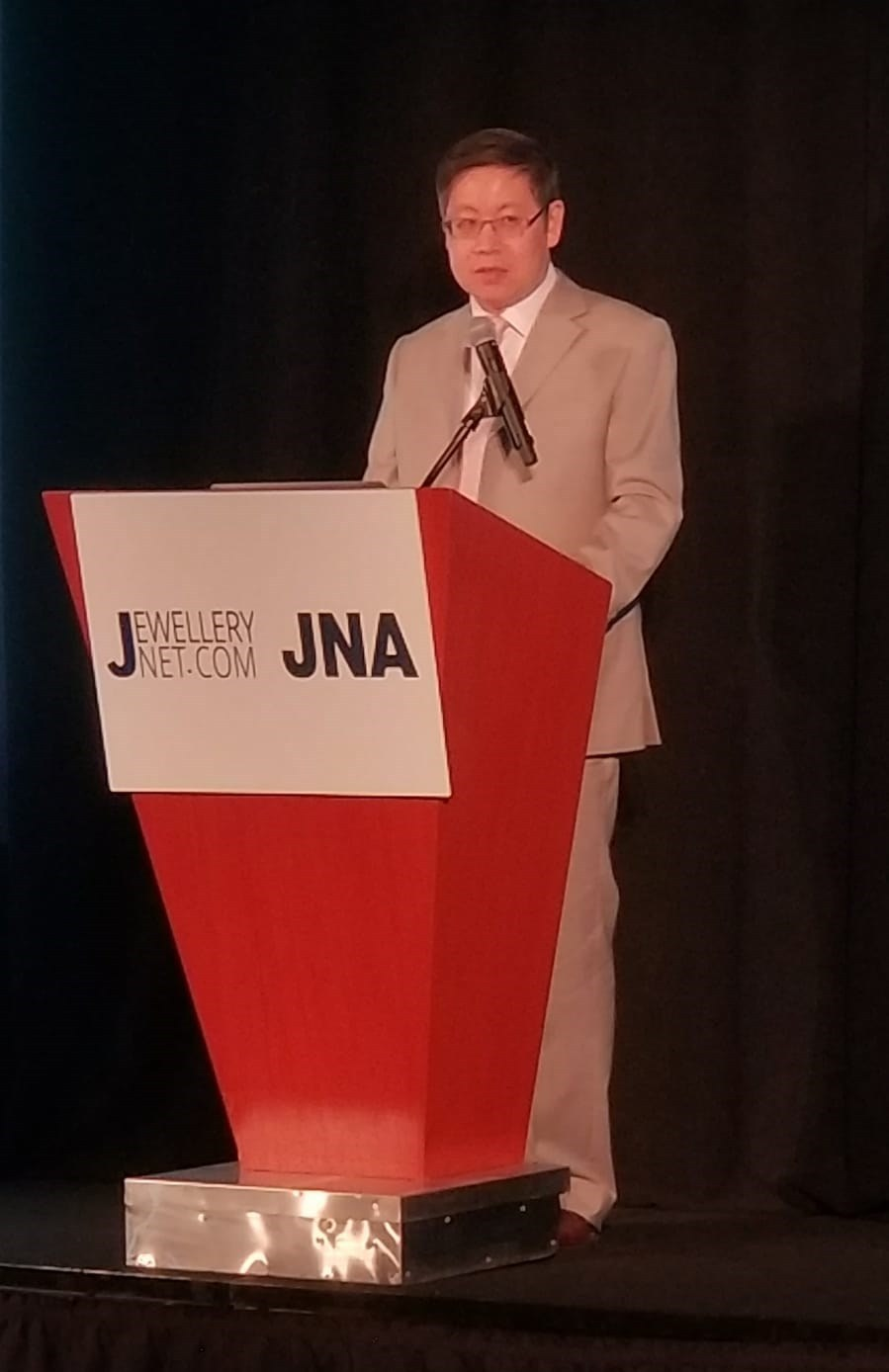 Mr. Julius Zheng, Vice President of the Shenzhen Rough Diamond Exchange