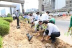 Indus Towers employees participating in a plantation drive to commemorate World Environment Day near their office in Gurugram (PRNewsfoto/Indus Towers Limited)