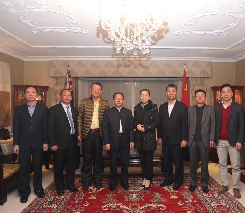 Deputy general manager of Moutai Group and chairman of Moutai's subsidiary Xijiu Zhang Deqin leads the team that is visiting the Embassy of China in New Zealand