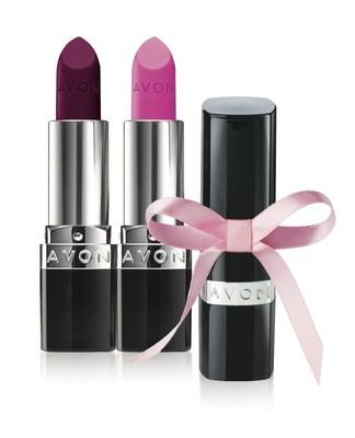 Partage le pouvoir du rouge à lèvres (Groupe CNW/Avon Canada Inc.)