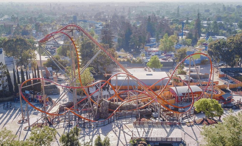 RailBlazer will lift riders to a height of 106 feet before plunging them face down at a 90-degree angle. Throughout the 1,800 feet of track, riders will travel 52 miles per hour, experience an abundance of airtime and steeply banked turns, undertake three inversions and twist through a zero gravity roll.