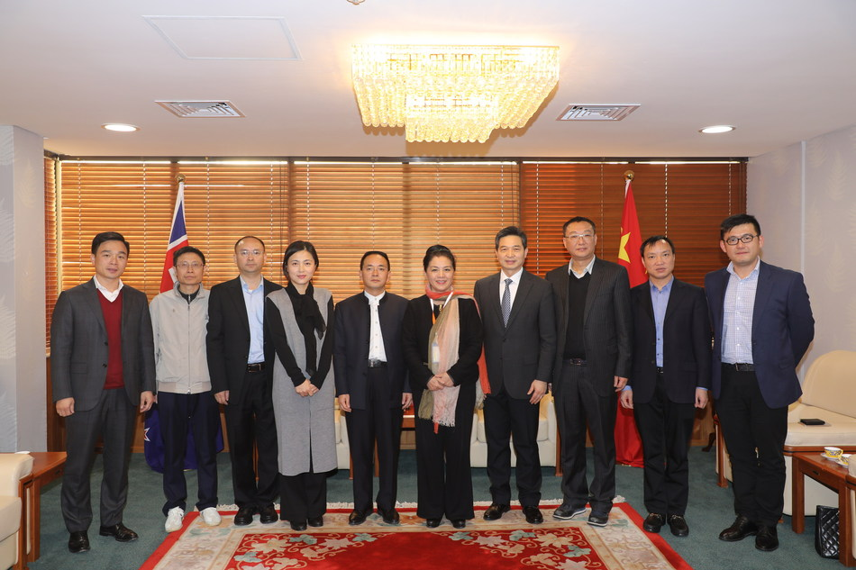 Deputy general manager of Moutai Group and chairman of Moutai's subsidiary Xijiu Zhang Deqin lead the Moutai@Australia delegation during its visit to the Consulate-General of China in Auckland
