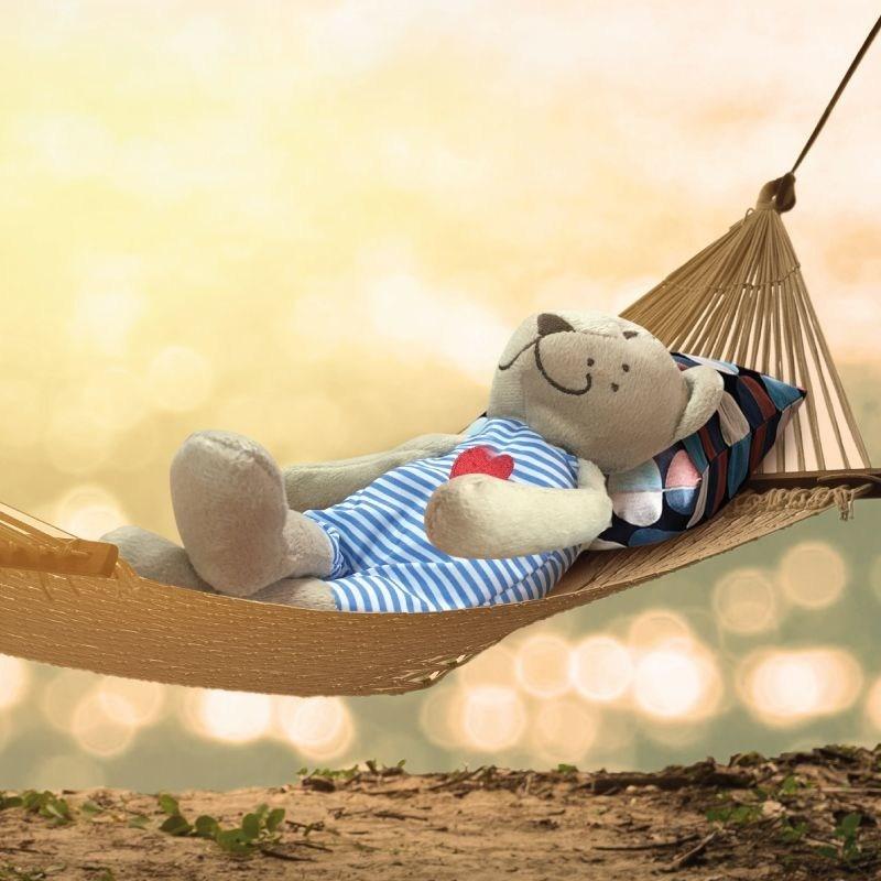 Nothing better than a lazy day on the beach. (PRNewsfoto/Burhan Dabdoub the bear)
