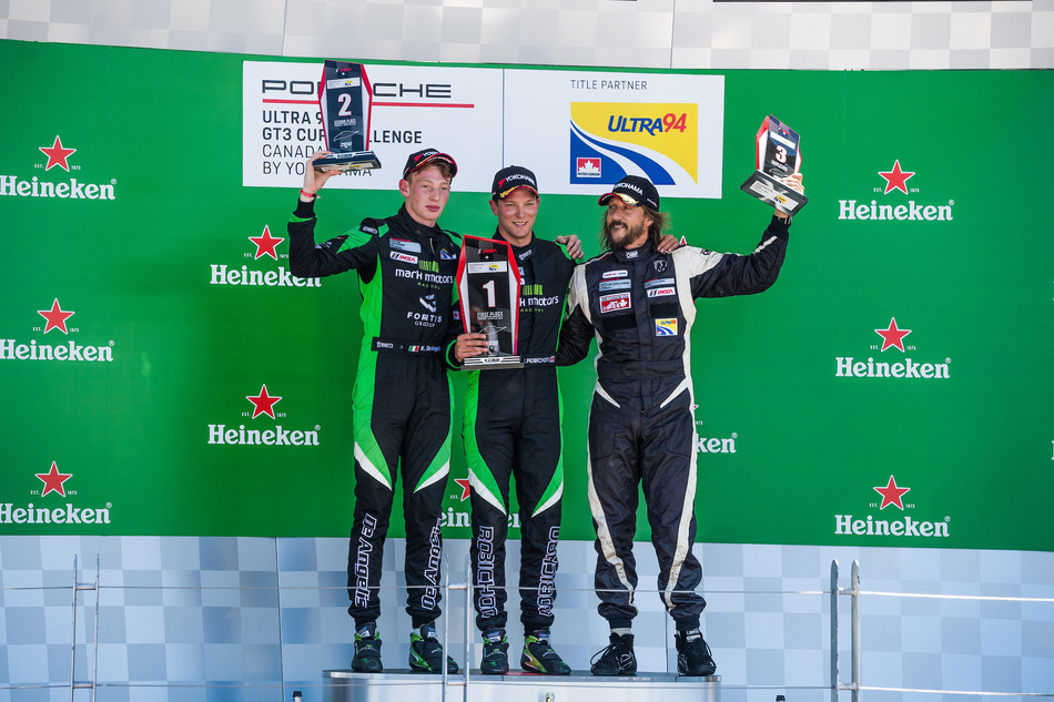 Zach Robichon battled alongside polesitter Roman De Angelis before overtaking him before the first lap was complete to win the race. With De Angelis finishing second, the podium was completed with Etienne Borgeat on the third step. (CNW Group/Porsche Cars Canada)