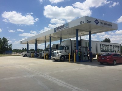 US Foods using their Houston CNG fleet at a Freedom CNG station.