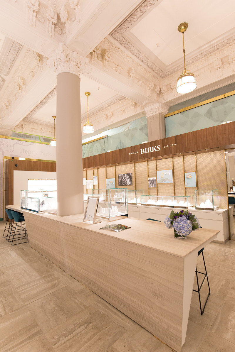 The new Birks Bridal Bar sets the stage for a new and improved experience where shopping for diamond engagement rings or wedding bands is comfortable and enjoyable (CNW Group/Birks Group Inc.)