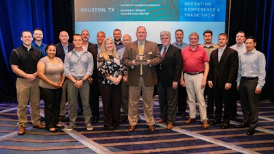 CITGO HSSE Manager Jack McCrossin (center) accepted the award on behalf of the CITGO Terminal Facilities & Pipeline team.