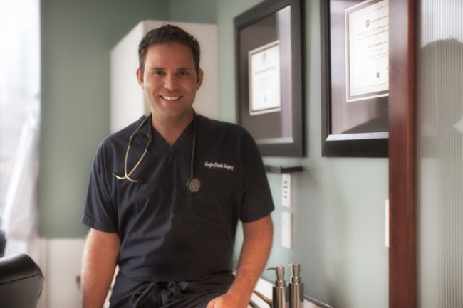 Dr. David Shafer - Board Certified Plastic Surgeon. Dr. Shafer specializes in plastic and cosmetic surgery of the face, breasts and body. He is also an internationally recognized expert on Botox Cosmetic and dermal fillers.