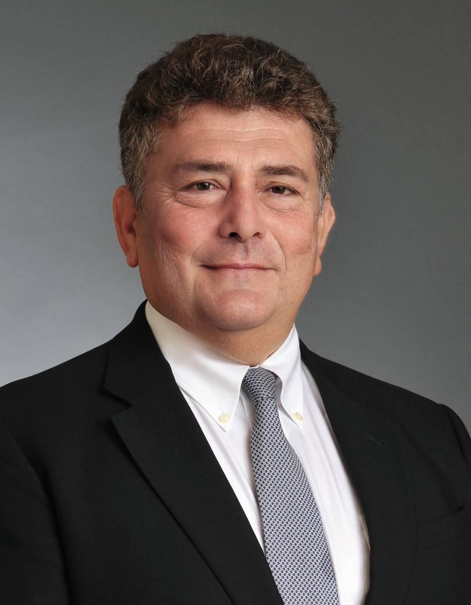 El Dr. Val S. Frenkel, designado en el Consejo Técnico y Educativo de la American Water Works Association.