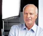 Peter Mansbridge, former anchor with The National and former chief correspondent with CBC News, will be honoured with the CJF Lifetime Achievement Award at the CJF Awards in Toronto on June 14. (CNW Group/Canadian Journalism Foundation)