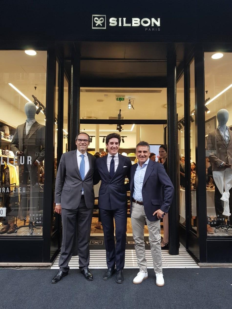 José Michael García, president of the Chamber of Commerce of Spain in París; Pablo López, CEO of Silbon; Stephan Houdet, champion in double tennis chair at Roland Garros (PRNewsfoto/Silbon)
