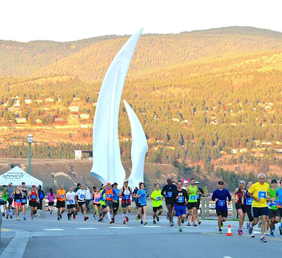 A popular destination for runners, the SunRype Okanagan Marathon is Kelowna's premier running event. (CNW Group/Sun-Rype Products Ltd.)