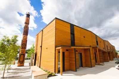 Inauguration de maisons abordables pour les peuples autochtones à Nanaimo (Groupe CNW/Société canadienne d'hypothèques et de logement)