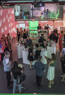 7UP launches Digital Bartender, a new tool that makes you a master mixologist with help from your mobile device. (PRNewsfoto/7UP)