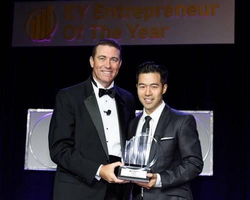 Steve Lau Accepts 2018 Entrepreneur Of The Year Award