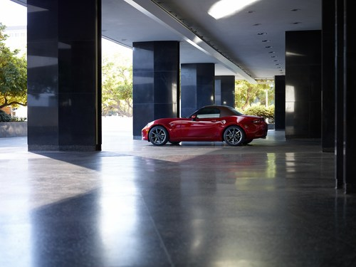 2019 Mazda MX-5 Miata Packs More Punch, Features