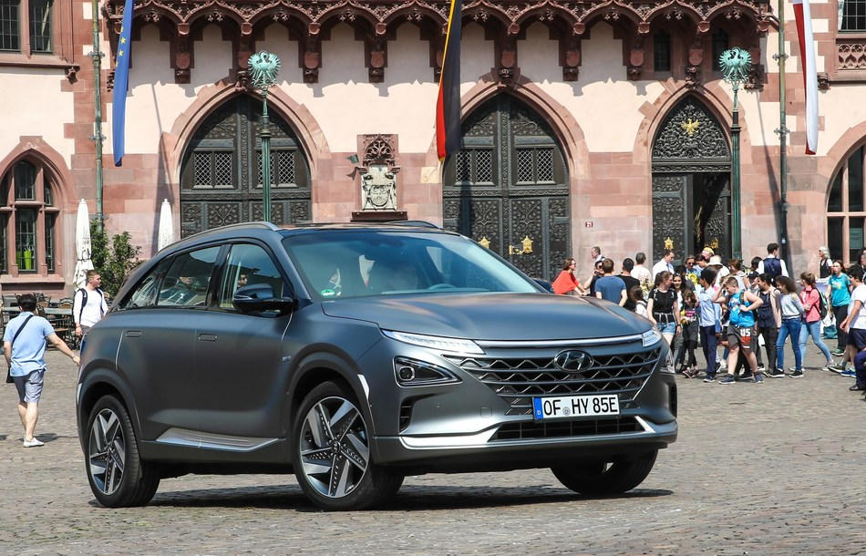 Hyundai Motor Group (the Group) and AUDI AG (Audi) announced they have entered into a multi-year patent cross-licensing agreement, covering a broad range of fuel cell electric vehicle (FCEV) components and technologies.
