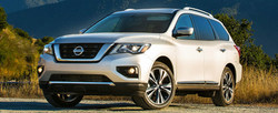 Customers in Kansas City can save on 2018 Nissan Pathfinder monthly payments at Fenton Nissan of Legends.