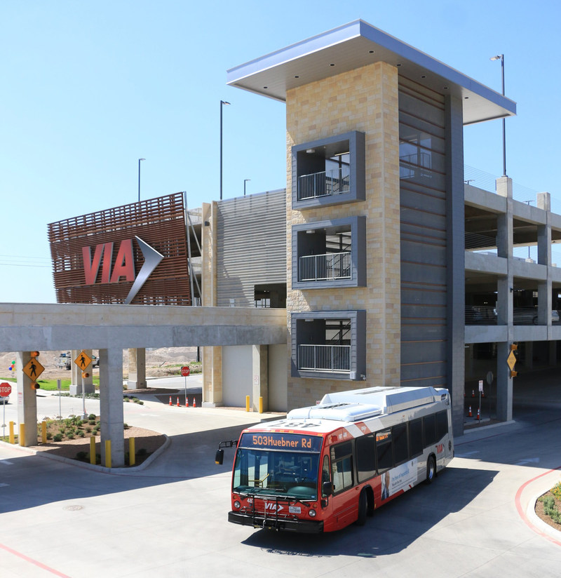 VIA Metropolitan Transit marked a milestone for improving mobility in the San Antonio region with a community celebration. Stone Oak Park & Ride is the largest such facility in the VIA system, standing four stories tall at Stone Oak Parkway and U.S. Highway 281 North. The newest VIA facility features modern passenger amenities and smart transit tools, including digital trip planning, real-time bus information, BiblioTech e-library kiosks and electric car-charging stations powered by CPS Energy.