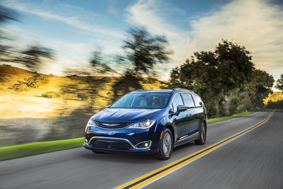 2018 Chrysler Pacifica Hybrid Named Northwest Green Vehicle and of the Year