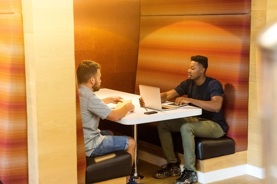 The Envolve business plan competition offers interest-free funding opportunities for diverse early-stage entrepreneurs in New York City, Miami, Washington DC, Baltimore, Atlanta, Charleston, Detroit and Flint. (PRNewsfoto/Envolve)