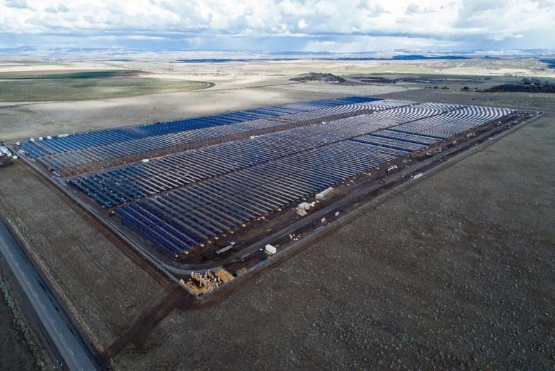 El nuevo proyecto de energía solar de 50 MW de GCL New Energy en el condado de Jefferson (Oregón) ha completado la Fase I de su construcción y está ahora en operación comercial (PRNewsfoto/GCL-SI)