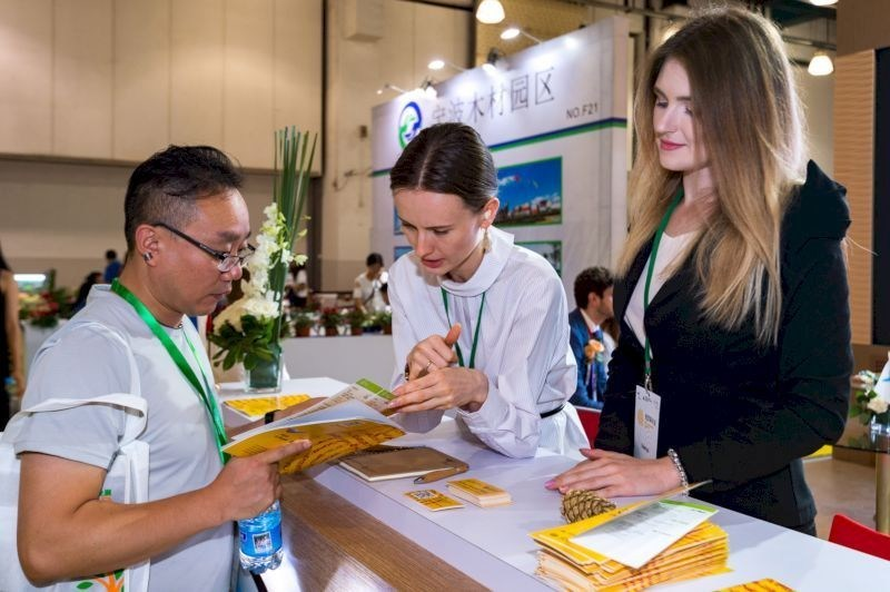 Visitors of the exhibition are interested in products of the Russian timber industry (PRNewsfoto/Russian Export Center)