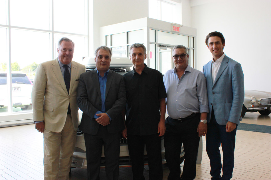On Friday, June 29th, the Scotti's Family handed over the reins of its three Brossard dealers to the Hébert's family. The Jaguar / Land Rover, Mitsubishi and Volvo of Brossard are now members of the Park Avenue Group. (CNW Group/Groupe Park Avenue)