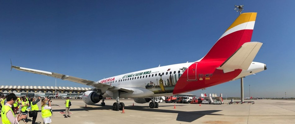 """An Iberia plane with the image of the """"Olive Oil World Tour"""" campaign (PRNewsfoto/Interprofesional del aceite)"""