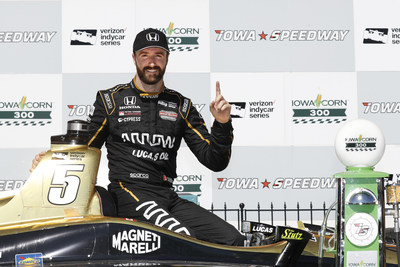 James Hinchcliffe scored his first victory of the season, and the sixth 2018 IndyCar Series win for Honda, Sunday at Iowa Speedway.