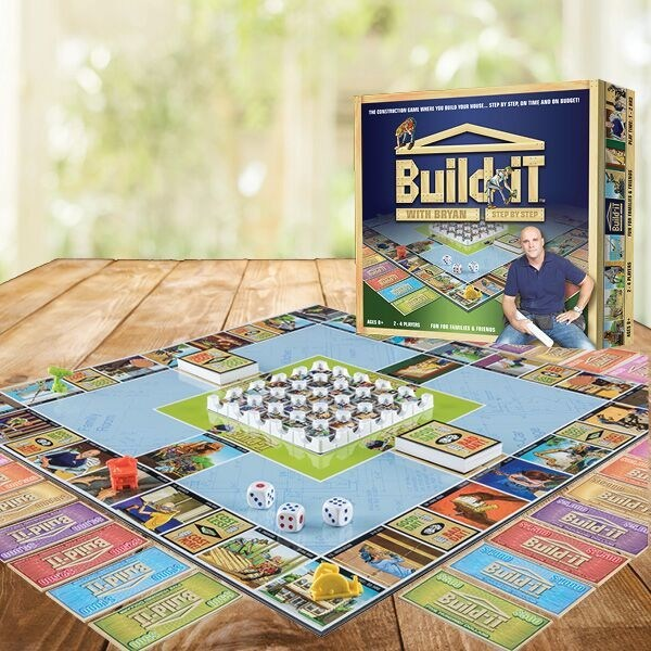 Build-iT With Bryan Step By Step board game and box. (CNW Group/Build-iT Games)