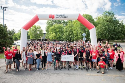 Over 300 employees who ran or biked and 50 volunteers from National Bank participated in the 8th annual NB Grand Tour, which raised $170,000 for the Fondation Jeunes en Tête and eight local organizations in Western Montérégie (CNW Group/National Bank of Canada)