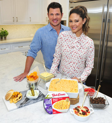 Nick and Vanessa Lachey with their Bob Evans Macaroni & Cheese recipes