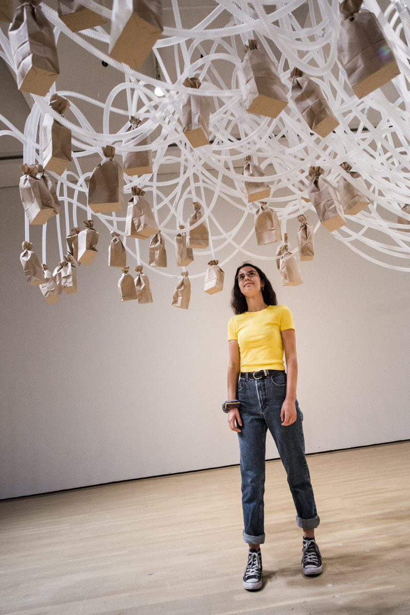 Rafael Lozano-Hemmer, Vicious Circular Breathing, 2013; Glass room, bellows, tubes, 61 brown paper bags, manifold valve system; Courtesy of Borusan Contemporary, Istanbul - © Rafael Lozano-Hemmer / SODRAC, Montréal / VEGAP, Madrid (2018); Photo: François Maisonneuve (CNW Group/Musée d'art contemporain de Montréal)