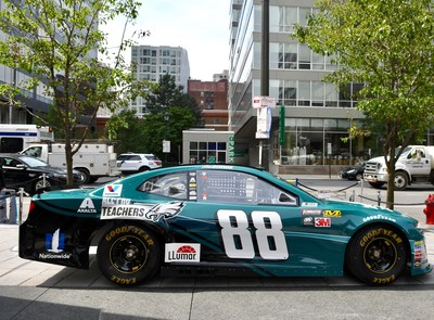 Axalta, a leading global supplier of liquid and powder coatings headquartered in Philadelphia, and the Philadelphia Eagles today unveiled a new paint scheme for the No. 88 Chevrolet Camaro ZL1 race car, celebrating the World Champion Philadelphia Eagles on the field and STEM educators in the classroom.