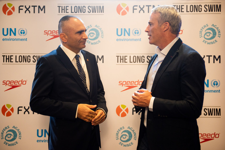 L – R Nicholas Defteras, CEO at FXTM and Lewis Pugh at the launch of long swim on Tuesday, 10 July (PRNewsfoto/FXTM)