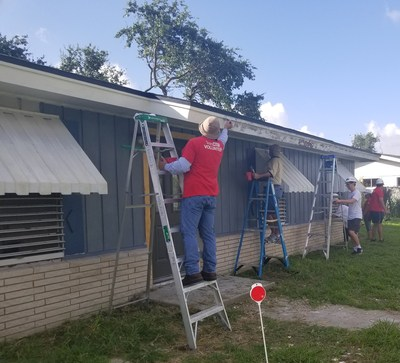 TeamCITGO volunteers repairing Aransas County Habitat for Humanity homes.
