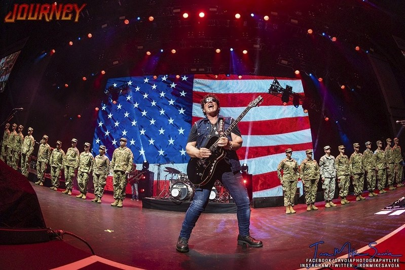 """Neal Schon Performs """"Star Spangled Banner"""" Before Active Duty Soldiers in Milwaukee, WI 7/4/2018 (PRNewsfoto/Neal Schon)"""