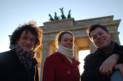 Burkhard Maiss, violin; Hannah Strijbos, viola; and Bogdan Jianu, cello are The Jacques Thibaud String Trio. The group was founded at the Berlin School of Art in 1994 and performs throughout the world at festivals, concerts and universities.