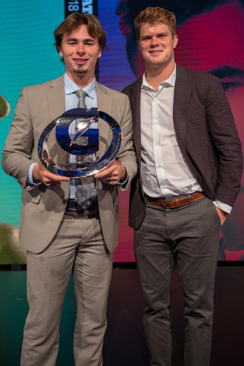 On Tuesday, July 17, 2018 in Los Angeles, California; 2018 Gatorade Male Athlete of the Year and incoming USC Quarterback JT Daniels poses with New York Jets Quarterback and former USC Quarterback Sam Darnold. Photo Credit/Gatorade