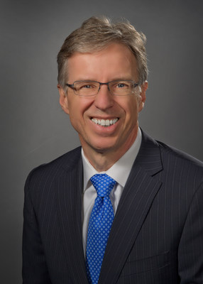 Feinstein Institute Professor Michael A. Diefenbach, PhD, received a $3.5 million NIH grant to develop a post-surgical care program for stage II bladder cancer patients and their caregivers.
