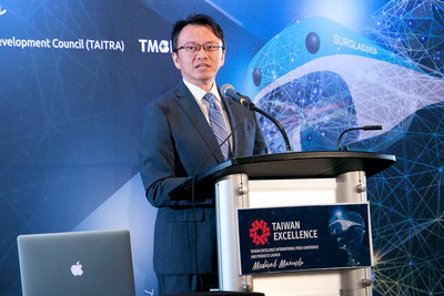 David Chien, Director General, Taipei Economic and Cultural Office in Miami, welcomes medical directors and attendees to the Taiwan Medical Marvels International Press Conference during FIME in Orlando (photo by Greg Griffith)