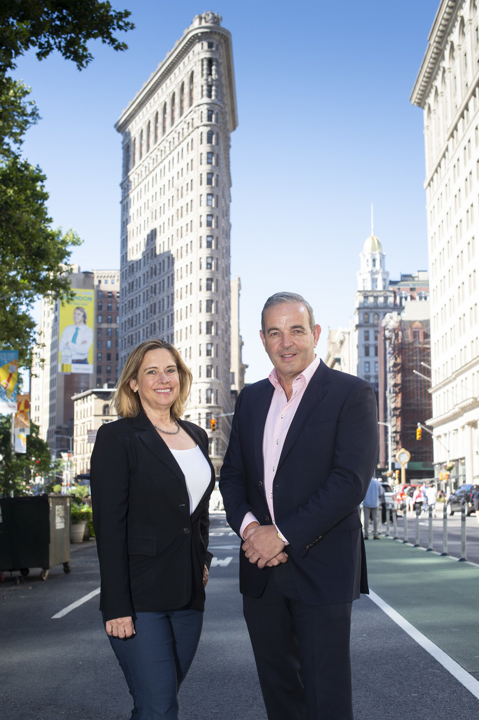 eShopWorld is pleased to announce the appointment of Cynthia Hollen as President, eShopWorld US. Pictured are Cynthia and Tommy Kelly, Founder and CEO of eShopWorld. Her appointment comes as the company ramps up US presence and investment to meet demand (PRNewsfoto/eShopWorld)