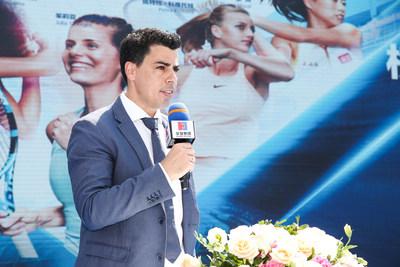Jose Miguel Garcia, diretor do torneio WTA Elite Trophy Zhuhai, fazendo o discurso de abertura (PRNewsfoto/Organizing Committee of 2018 WT)