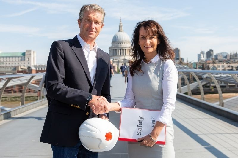 Wayne Wager, CEO Remote Medical International and Ruth Jones  Managing Director of HSE Offshore (PRNewsfoto/Remote Medical International)