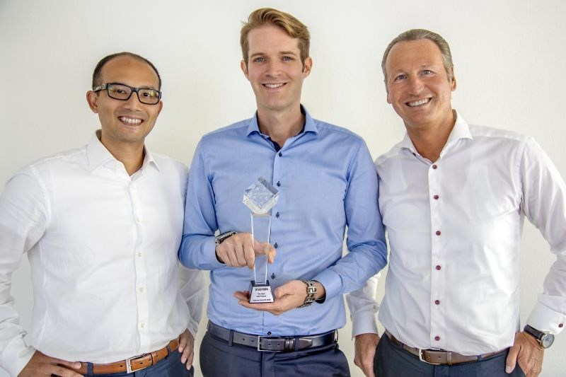 """The Swiss startup Unity Investment, based in Altendorf SZ, received the award for the best project in the field """"Initial Coin Offering"""". The Team of Unity Investment left to right: Richard Kobler (Senior Manager, Analysis & Strategy), Sean Prescott (Founding Partner & CEO), Alex Fancelli (Founding Partner & CFO). Copyright: Christian Iten (PRNewsfoto/Unity Investment)"""